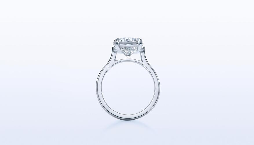 An engagement ring in our signature Kwiat Setting